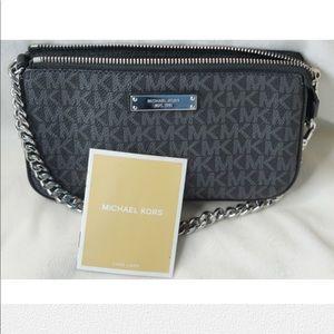 Michael Kors black hand bag, zipper closure, small